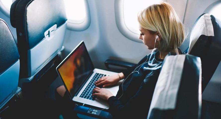 哪几家航空公司把苹果旧款MacBook Pro列为禁飞品 苹果新闻 第1张