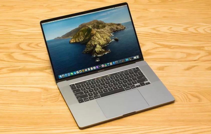 苹果:MacBook Pro 永远不会再有SD 卡槽了 苹果新闻 第1张