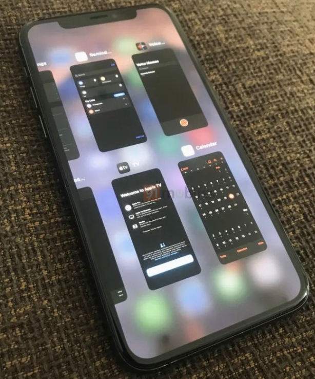 iOS 14多任务处理影片曝光 - 跟iPad一样支持多任务