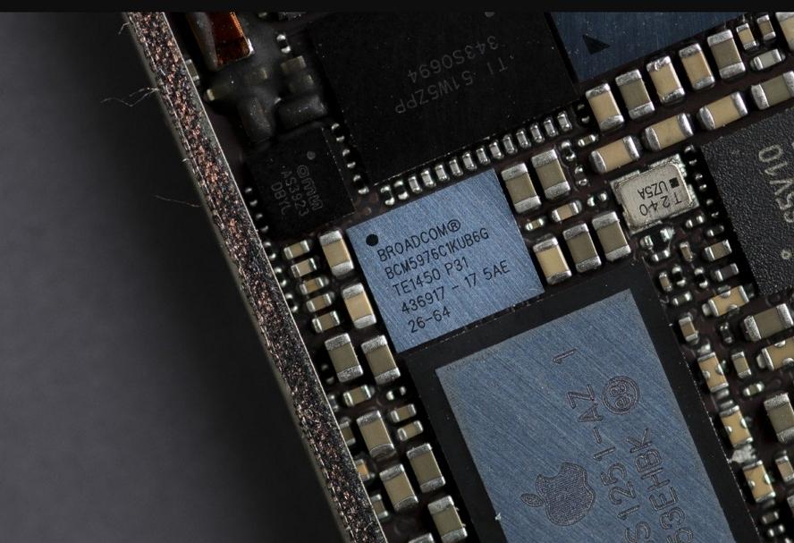 Broadcom「确定」苹果iPhone 12延期