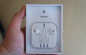 苹果为法国iPhone 13用户免费送EarPods耳机